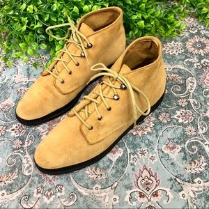 Keds Vintage Style Suede Yellow Chukka Boots 9.5